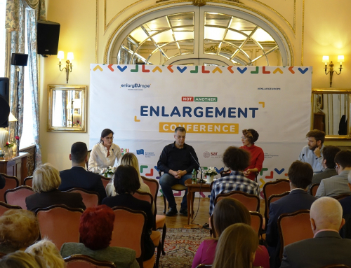EU Enlargement: Mixed Messages and Emotions before Facts