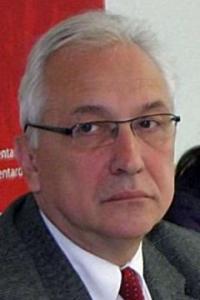 Prof. dr Ivan Vujačić